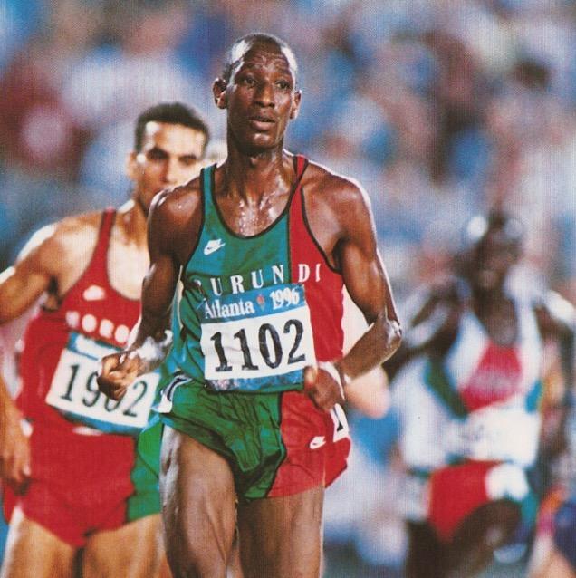 Venuste Niyongabo on his way to winning the 1996 Atlanta Olympic 5000m
